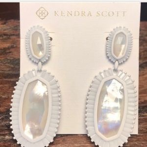 Kendra Scott white druzy Kaki NWT earrings